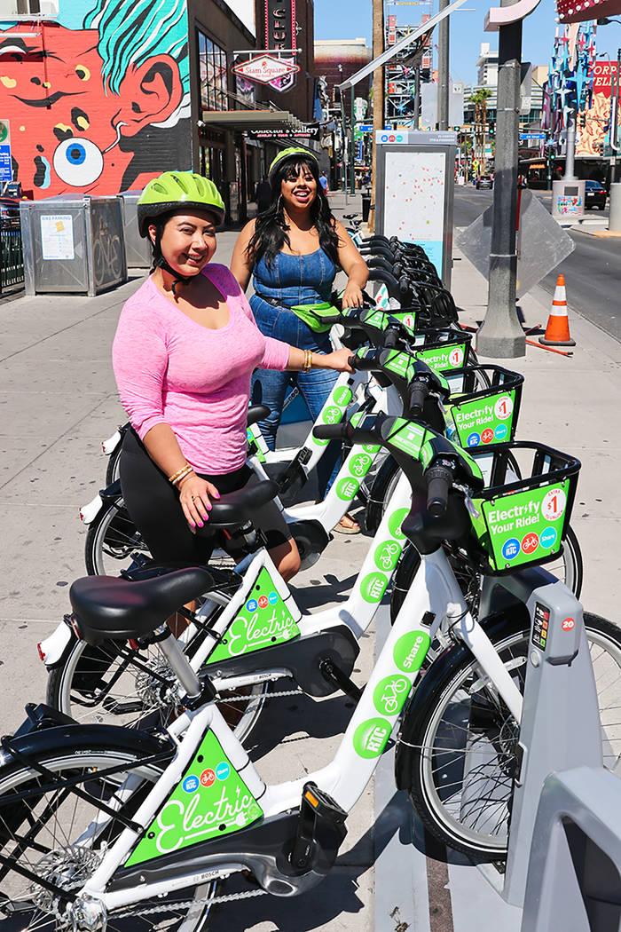 """Electrifique su viaje con las nuevas bicicletas eléctricas """"RTC Bike Share"""" mejoró su flo ..."""