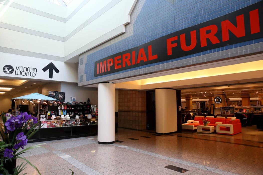 Imperial Furniture en Boulevard Mall en Las Vegas el miércoles, 21 de agosto de 2019. (K.M. Ca ...