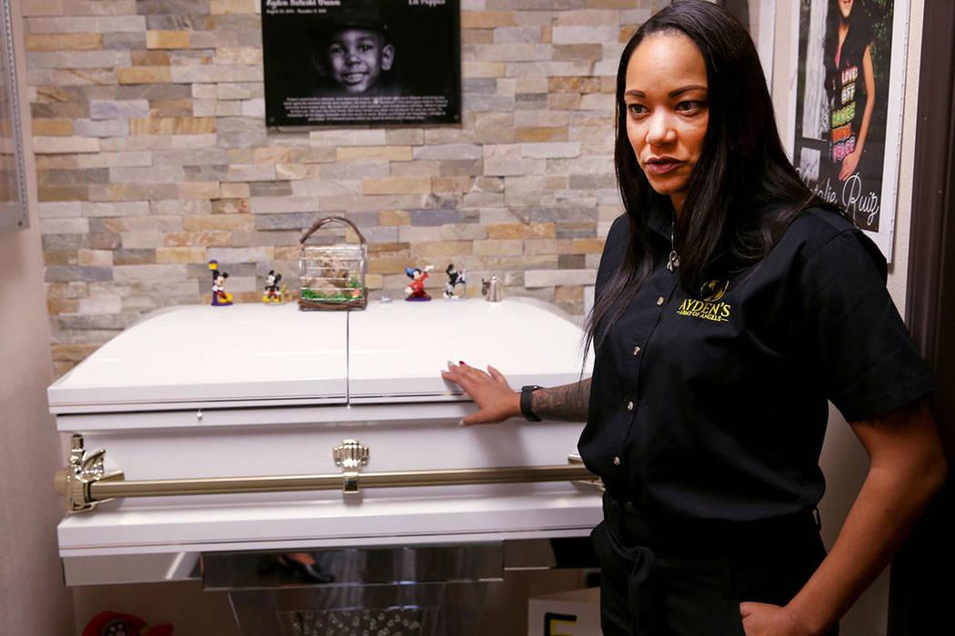 Lindsey LiCari, quien donó las córneas de su hijo Ayden de 3 años después de que murió de ...