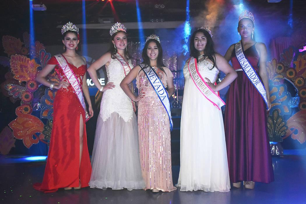 Ganadoras de distintos certámenes de belleza locales estuvieron presentes en el Día del Salva ...