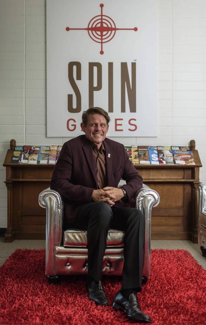 Kent Young, CEO de Spin Games con sede en Reno, en la oficina de Spin Games en el centro de Ren ...