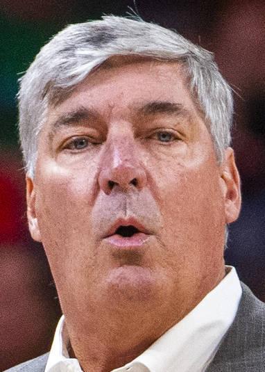 El entrenador en jefe de Las Vegas Aces, Bill Laimbeer, está sorprendido de que los oficiales ...