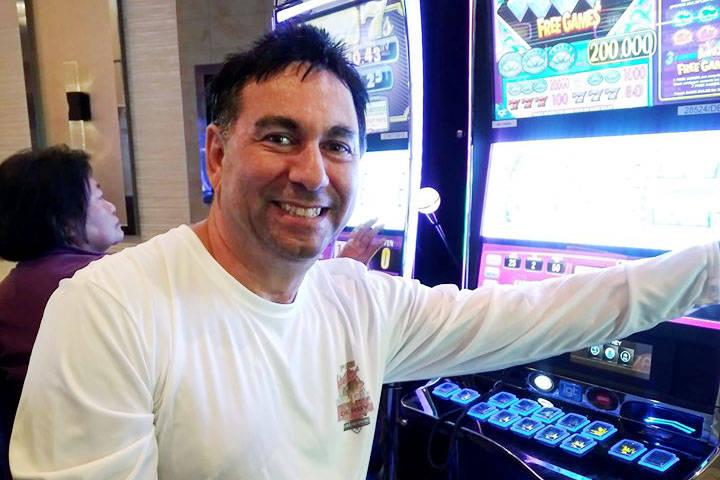 Esta foto sin fecha muestra a Jeffrey Boyajian, de 58 años. Fue asesinado el 5 de agosto de 20 ...