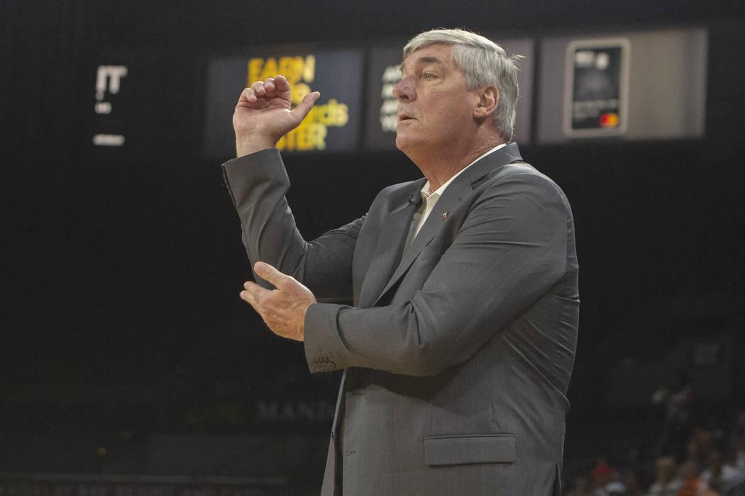 El entrenador en jefe de las Aces de Las Vegas, Bill Laimbeer, pidió que se sancionara una fal ...
