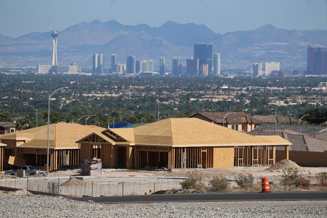 Casas en construcción cerca de N Hualapai Way y 215 Beltway en Las Vegas, martes 27 de agosto ...