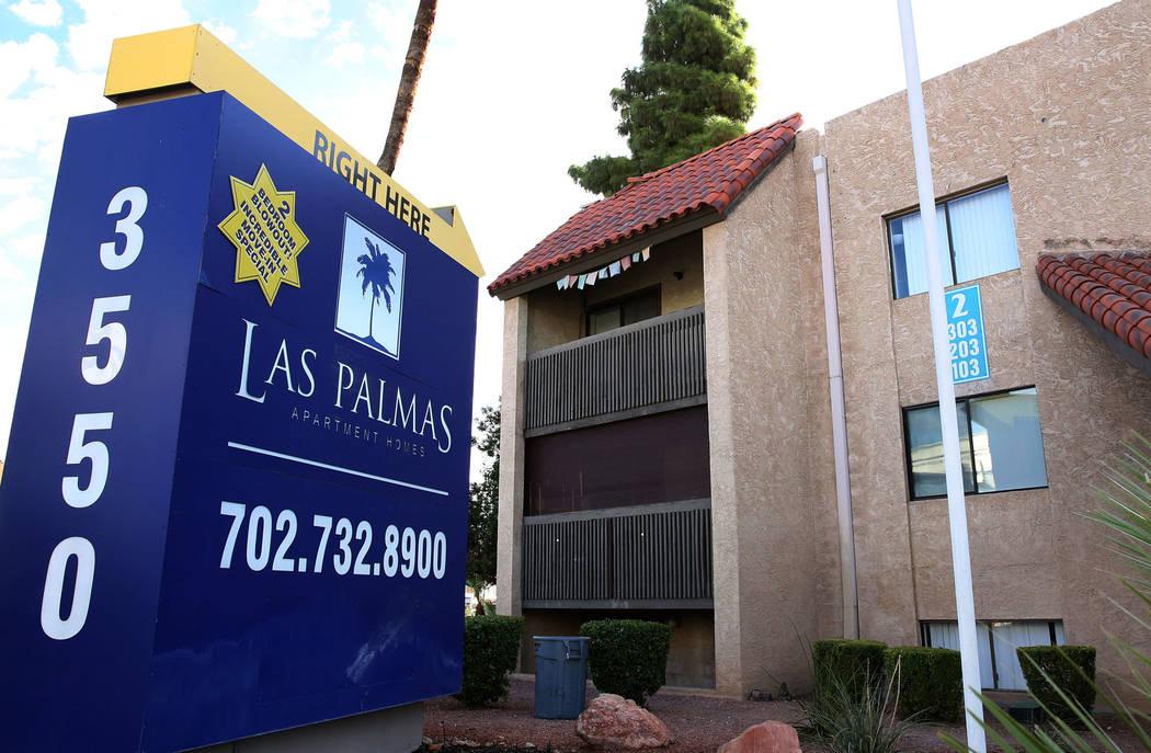 Las Palmas, un complejo de apartamentos fuera del Strip en 3550 Paradise Road en Las Vegas, se ...