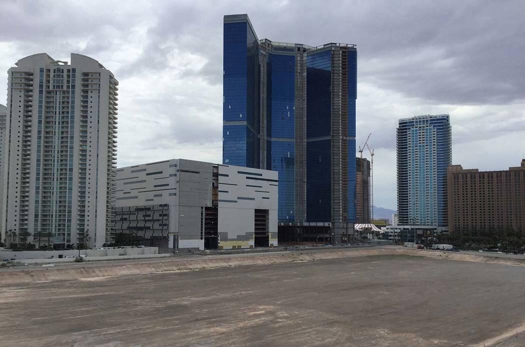 El multimillonario australiano James Packer y sus socios se propusieron construir el Crown Las ...