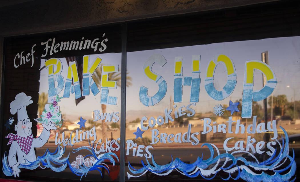 El escaparate del Chef Flemming's Bake Shop ubicado en South Water Street en Henderson el miér ...
