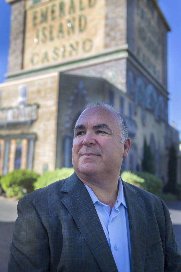 El propietario del casino Emerald Island, Tim Brooks, afuera del casino, en la calle South Wate ...
