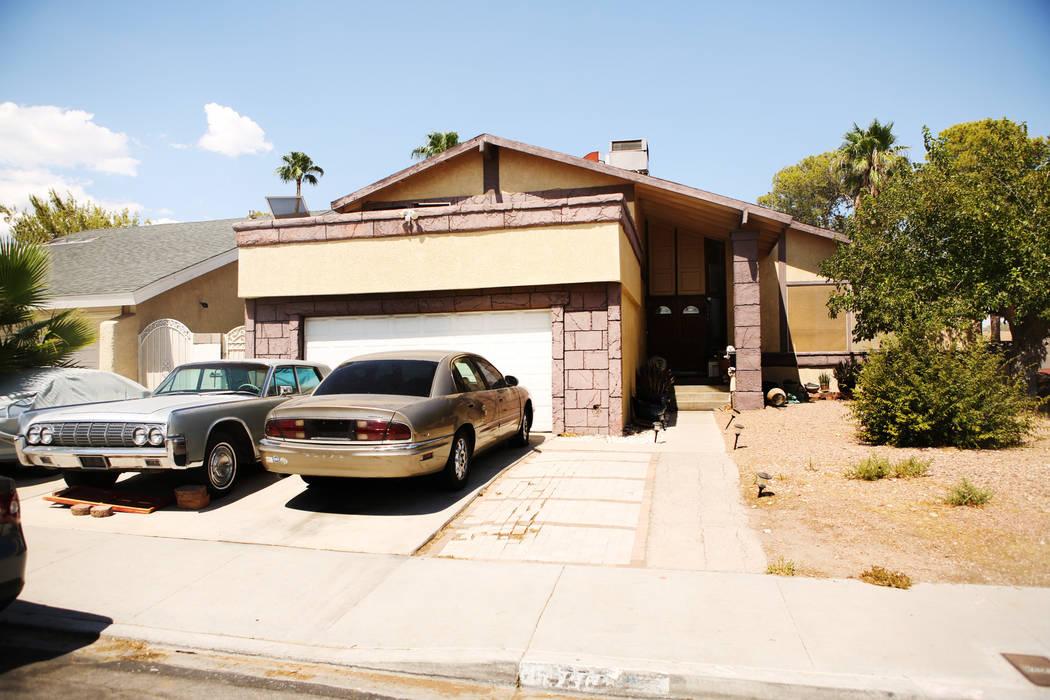 Una casa en el área de Spring Valley, donde se encontró el cuerpo de una mujer en un tambo de ...