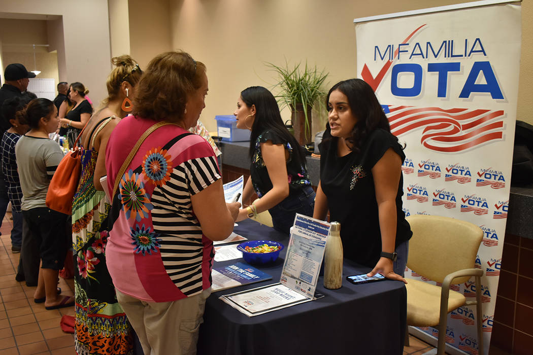 """Distintas organizaciones participaron en la """"Feria de Inmigración y Prevención de Fraude"""" ..."""