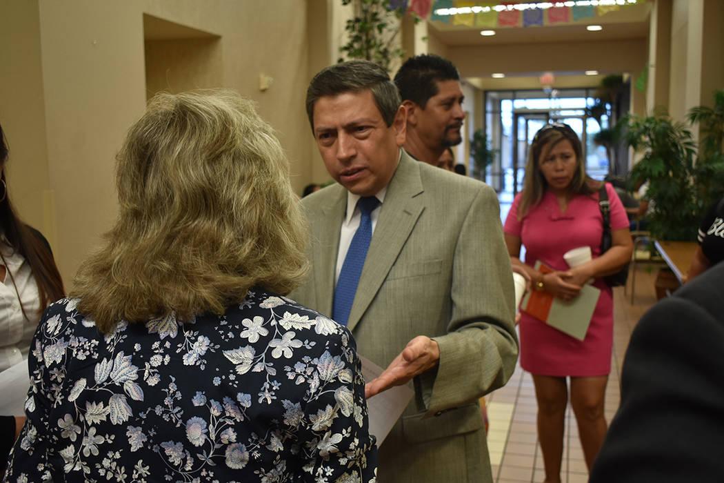 El Emb. Alejandro Madrigal reconoció ante la congresista Dina Titus la importancia de realizar ...