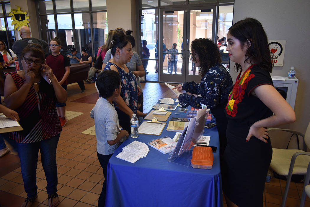 """La """"Feria de Inmigración y Prevención de Fraude"""" contó con la participación de 16 organ ..."""