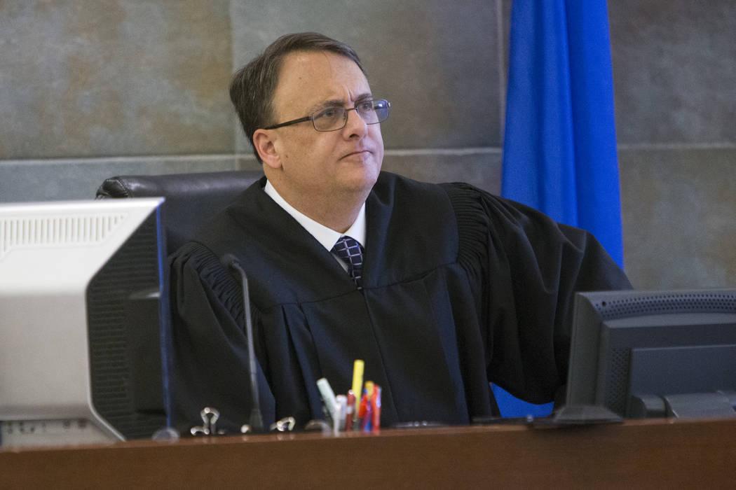 El juez de distrito, Richard Scotti, en el Centro de Justicia Regional en Las Vegas en 2017.