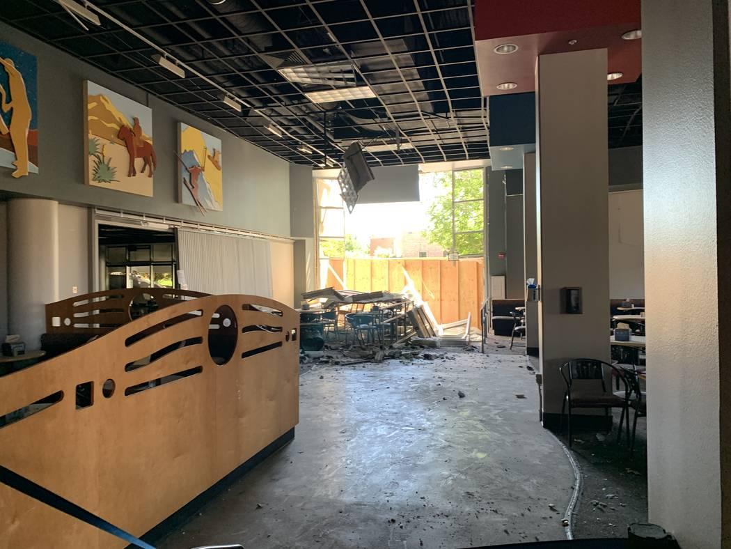 La cafetería en el primer piso del Argenta Hall de la Universidad de Nevada, Reno, luego de la ...