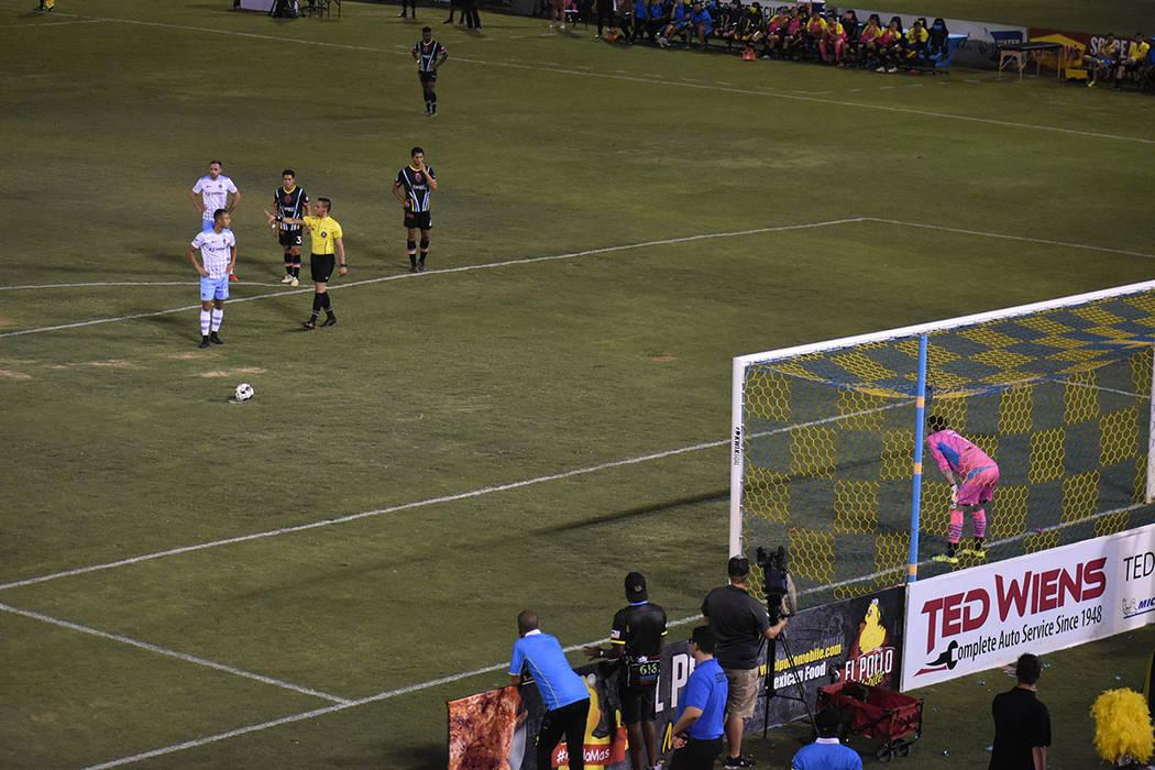 En este partido se marcaron dos penales a favor de El Paso Locomotive FC. Sábado 7 de septiemb ...