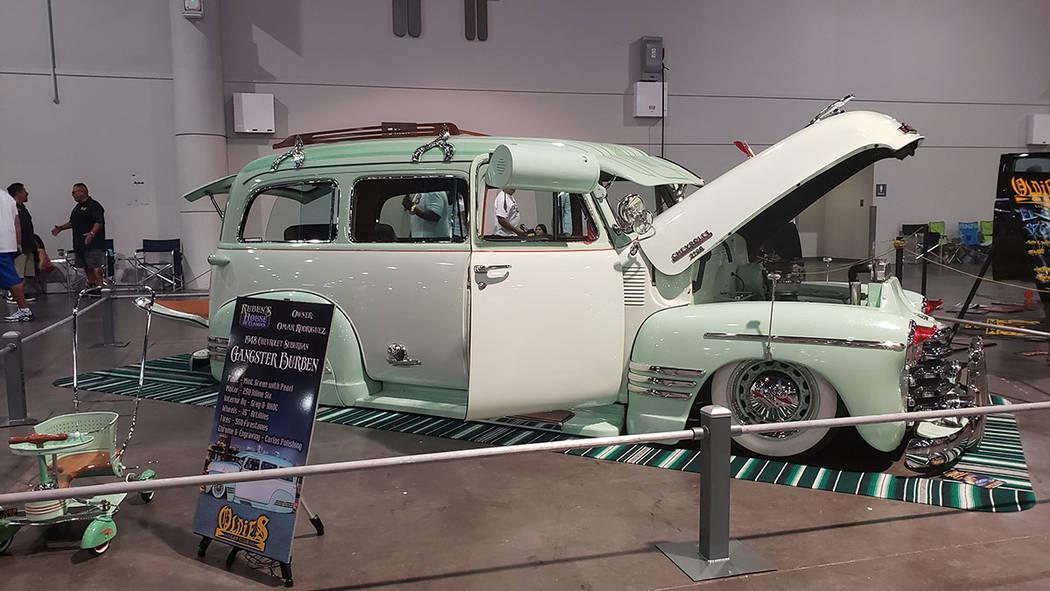 Los automóviles clásicos, algunos modificados y completamente restaurados. Domingo 1 de septi ...