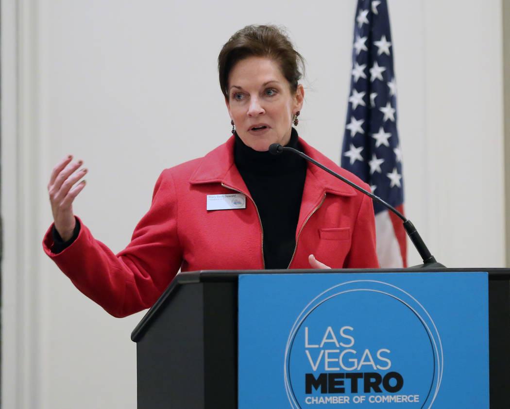 Mary Beth Sewald, presidenta y directora ejecutiva de la Cámara de Comercio de Las Vegas, habl ...