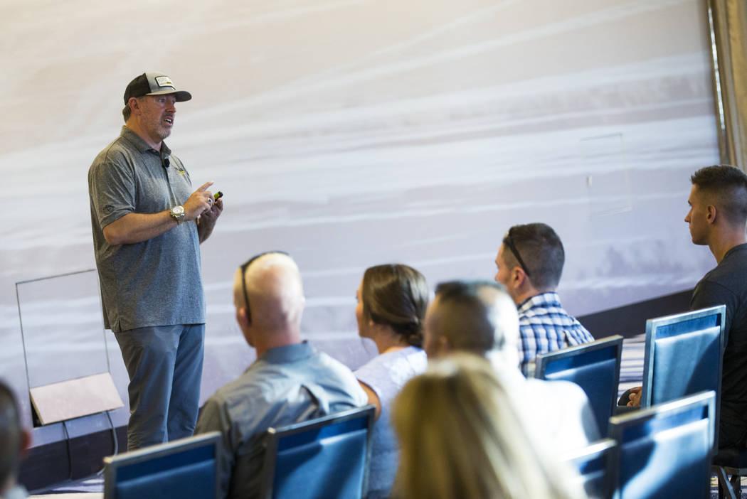 El retirado Sargento Mayor Scott Neill, cofundador de American Freedom Distillery, habla durant ...