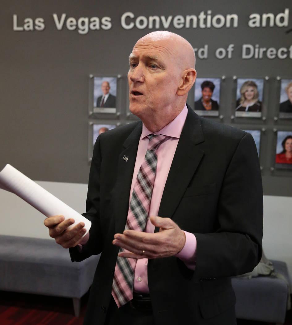 El presidente de la Junta de la Autoridad de Convenciones y Visitantes de Las Vegas y comisiona ...