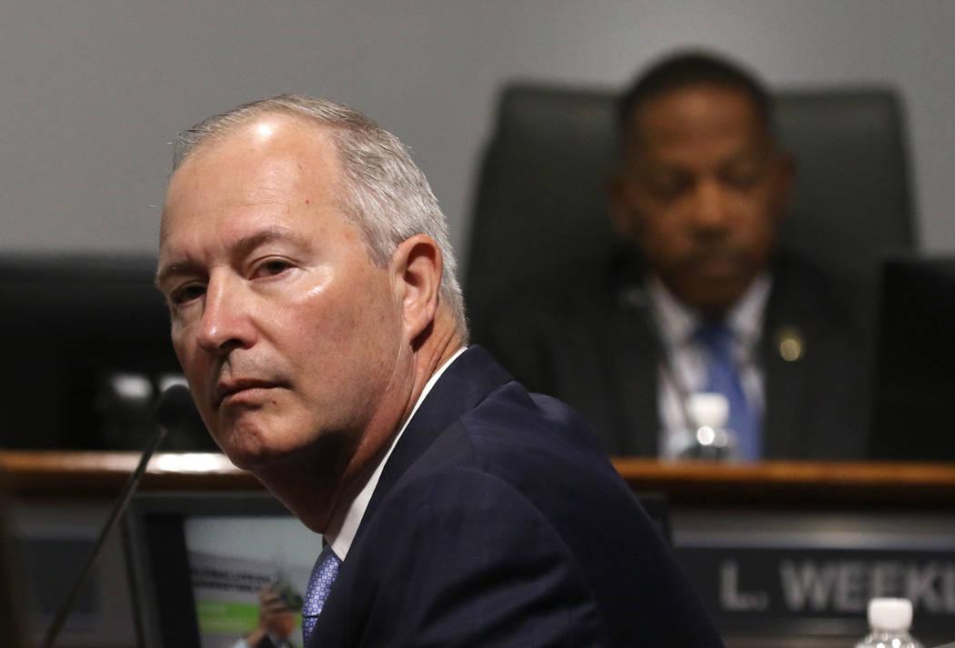 Steve Hill, CEO de la Autoridad de Convenciones y Visitantes de Las Vegas), durante una reunió ...