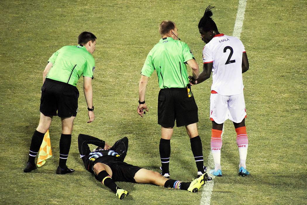 Las Vegas Lights FC jugó con intensidad, pero cayó ante Phoenix Raising FC por la mínima dif ...