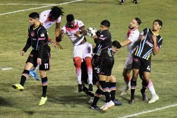 Lights FC peleó durante más de noventa minutos con el Rising FC que batió récords, pero sus ...