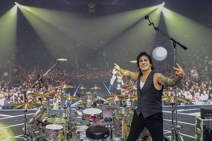 """""""Rayando el sol Tour"""" cuenta las producciones más elaboradas por esta banda líder del roc ..."""