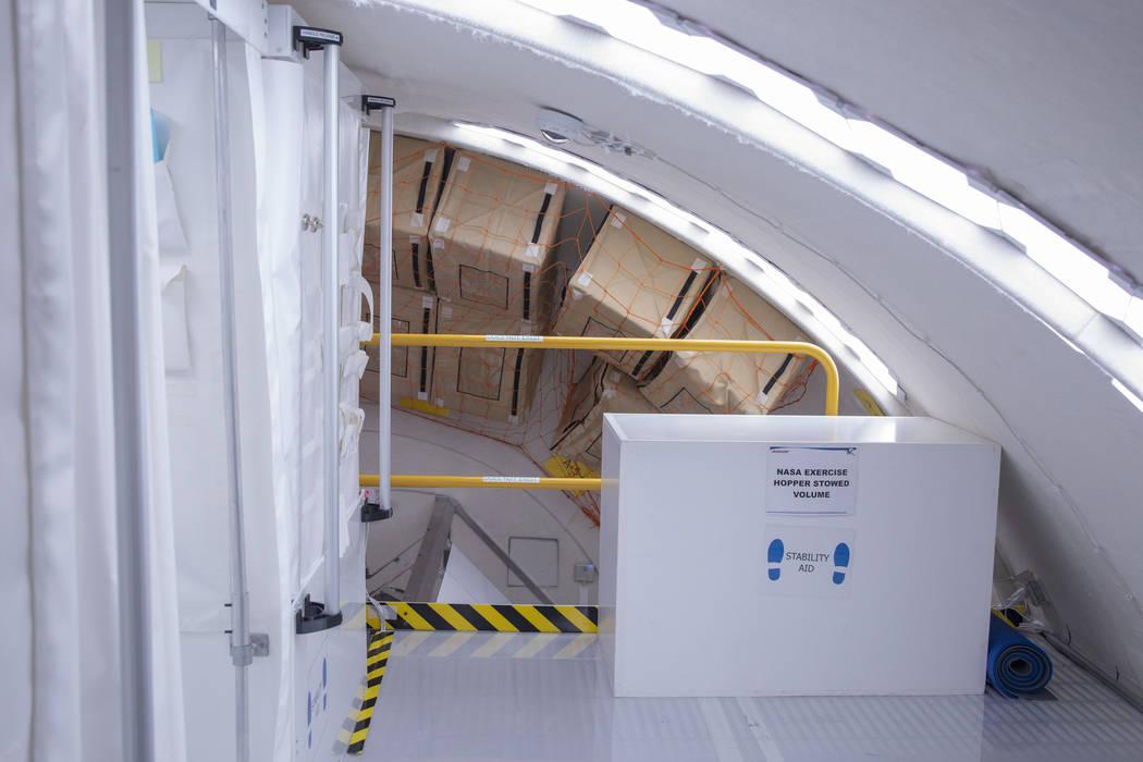 Espacio de almacenamiento en la Unidad B330 Mars Transporter Testing Unit en Bigelow Aerospace ...
