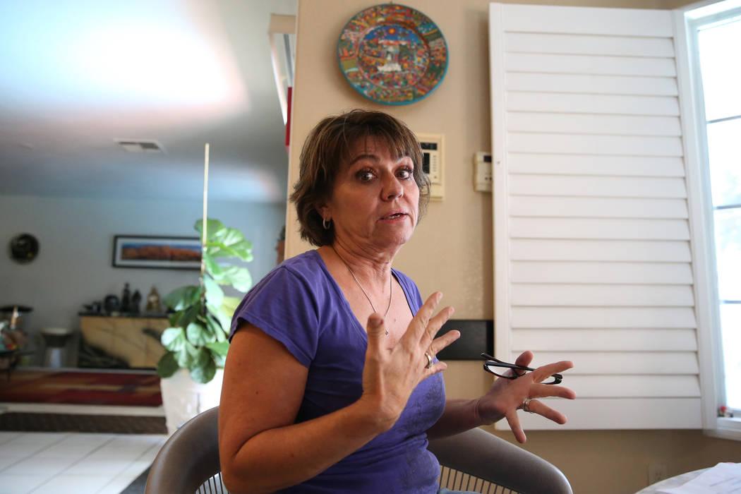 Donna Botti habla sobre un centro de rehabilitación que abrió en su comunidad residencial en ...