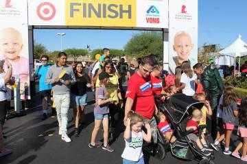 Además de la caminata, se realizó una carrera de 5K para quien quisiera competir. Sábado 14 ...