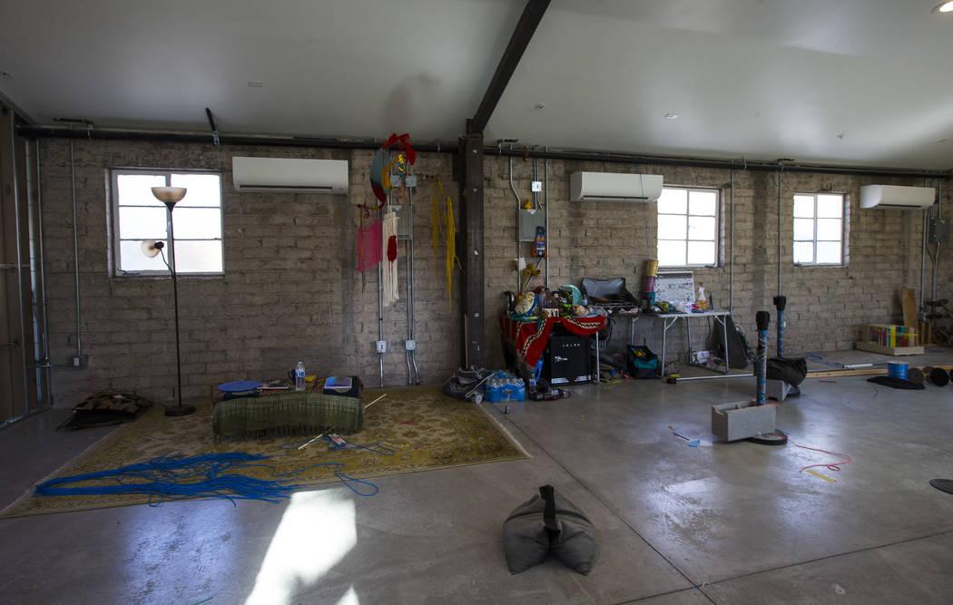Sala de estudio de Clarice Tara en Fergusons Downtown en Fremont y en las calles 11th en Las Ve ...