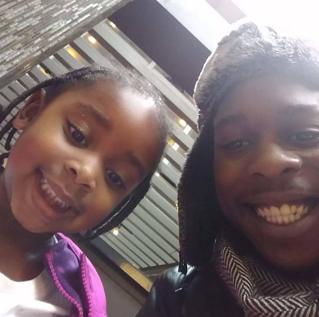 Janiyah Russell, de 5 años, con su padre, Richard Davis. Janiyah murió el 11 de septiembre de ...