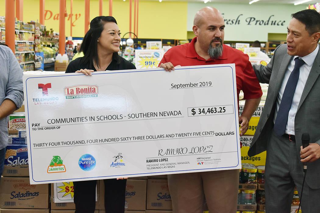 """""""Supporting Our Schools"""" es una campaña de suministros escolares a nivel nacional encabeza ..."""