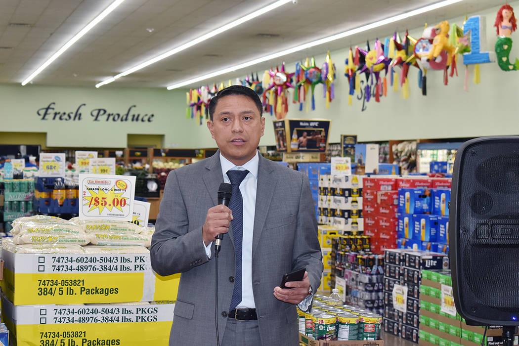 Ramiro López, presidente y gerente de Telemundo Las Vegas protagonizó la entrega. Miércoles ...
