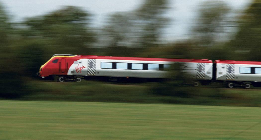 En esta fotografía de cortesía sin fecha, se muestra un tren de alta velocidad de Virgin Trai ...