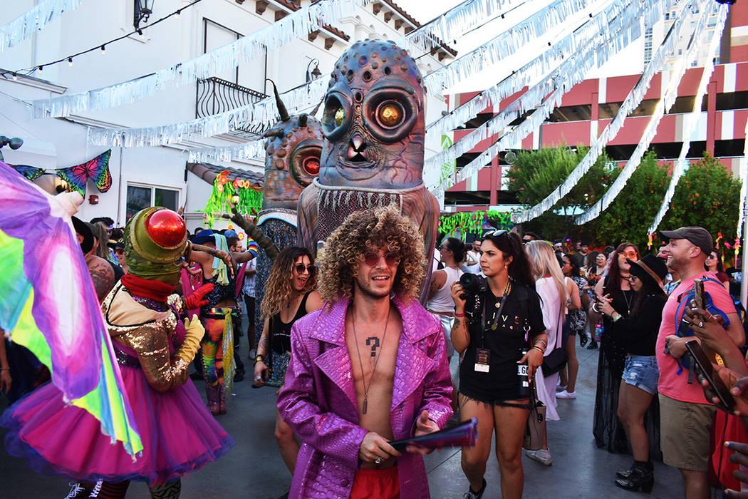 """Una de las nuevas atracciones fue el """"Desfile del orgullo"""". Sábado 21 de septiembre de 201 ..."""
