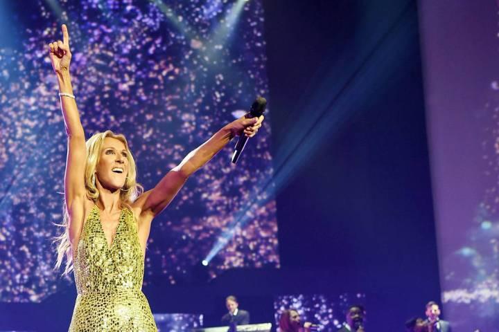 Celine Dion se presenta durante el show final de su residencia en Las Vegas en el Caesars Palac ...