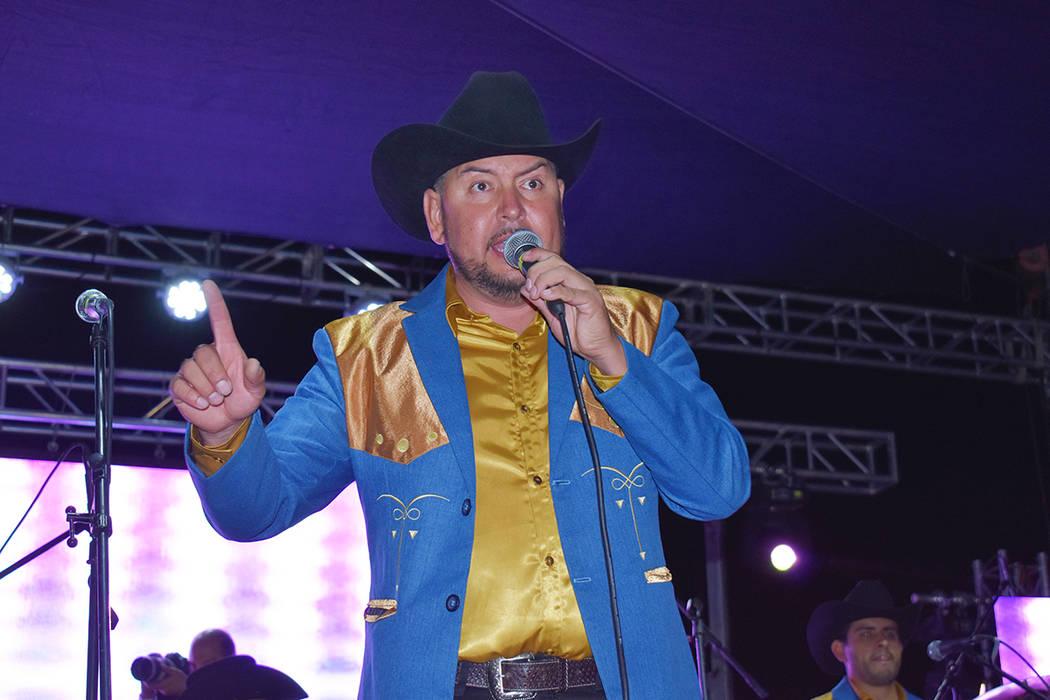 Cuarto de Milla compartió el escenario con Los Recoditos en la noche de apertura en la Feria L ...