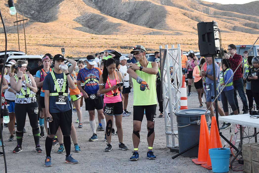 La categoría del medio maratón fue dominada por Norman Kim (800), de Westford, Massachusetts, ...