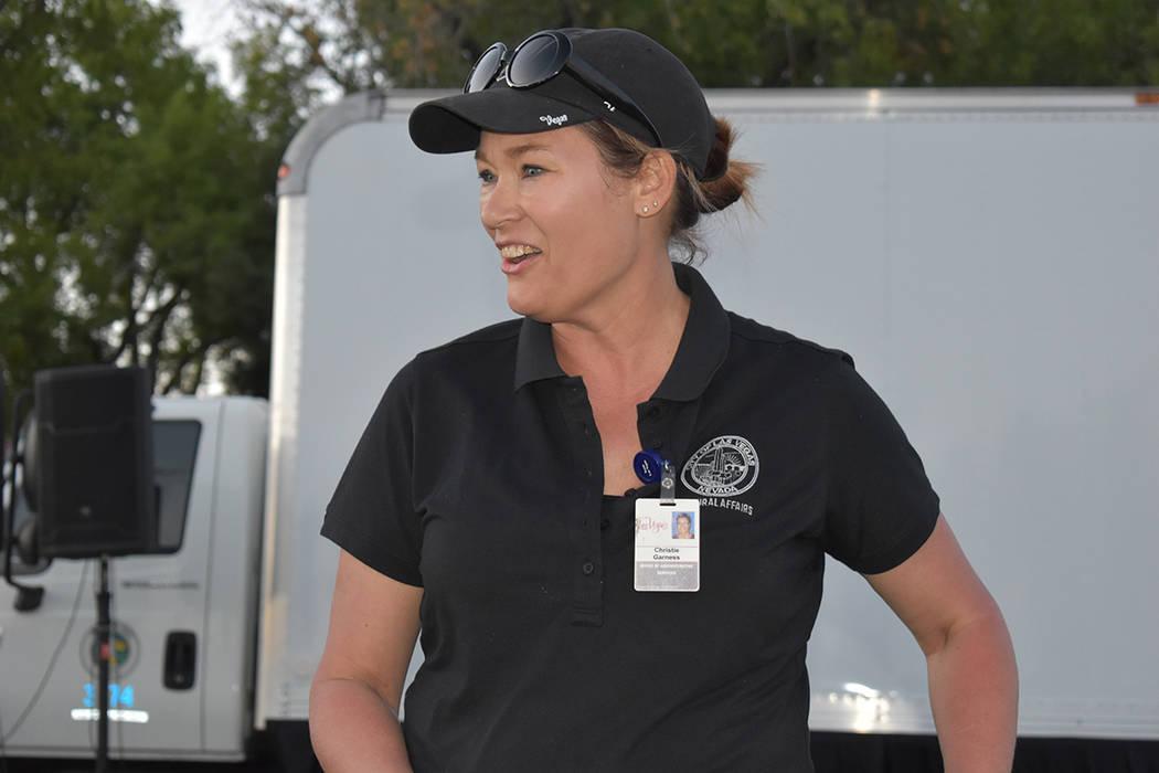 Christie Garness, es la encargada de los servicios administrativos y asuntos culturales de la C ...
