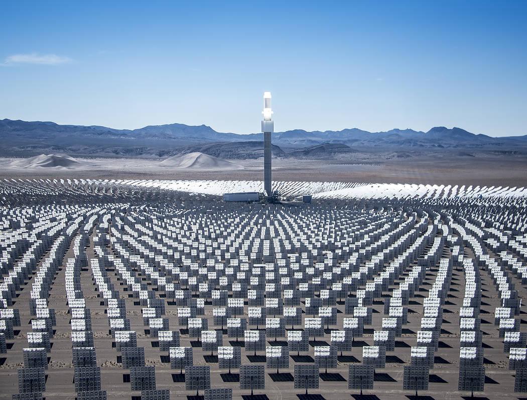 SolarReserve opera Crescent Dunes Solar Energy Project cerca de Tonopah. (Archivo del Las Vegas ...