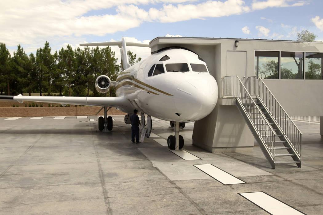El jet privado de Wayne Newton se exhibió como una atracción turística en su antiguo rancho ...