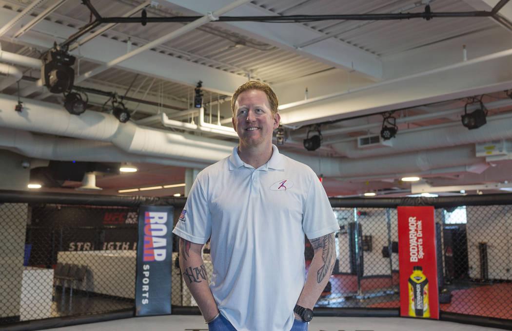 El ex líder del SEAL Team Six, Rob O'Neill en el UFC Performance Institute en Las Vegas el lun ...