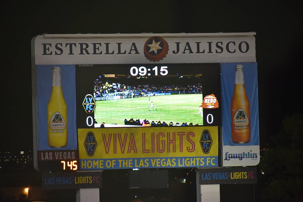 El personal de Lights FC modificó el logo de Reno 1868 FC para tratar de acrecentar la rivalid ...
