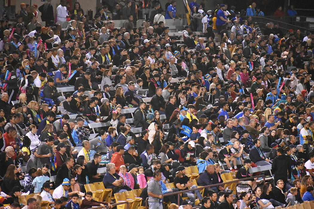 """La cifra total de asistentes a este """"Clásico de Nevada"""" fue de 10,117. Sábado 12 de octub ..."""