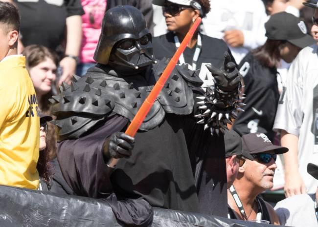 Este Vader Raider encuentra inquietante su falta de fe en el equipo. (Heidi Fang/Las Vegas Revi ...