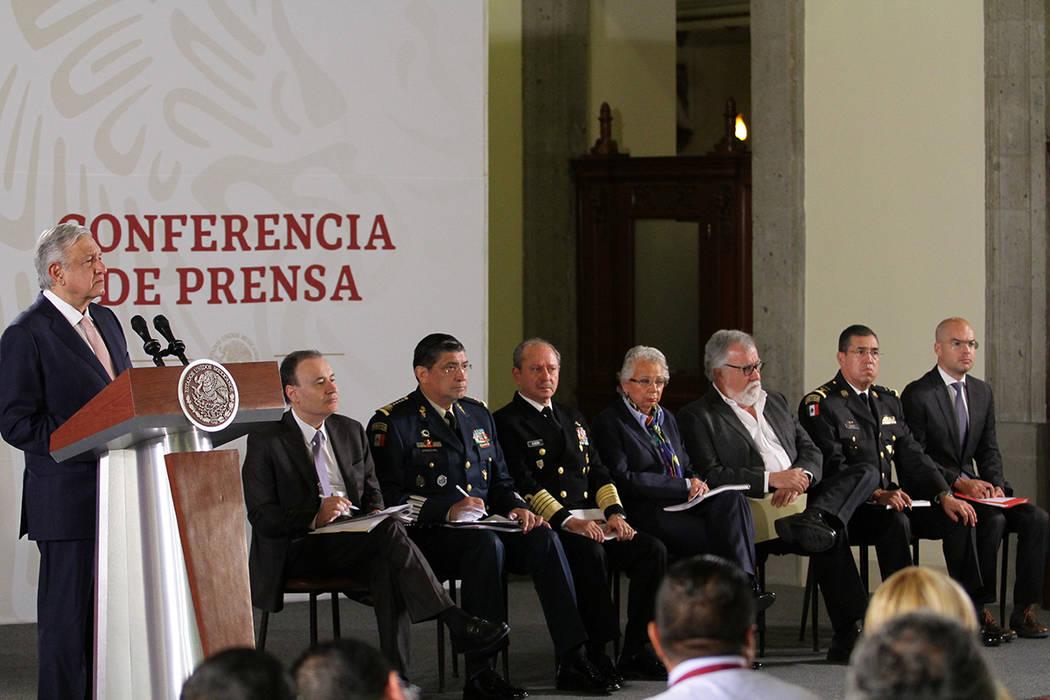 Ciudad de México, 15 Oct 2019 (Notimex-Guillermo Granados).- Conferencia matutina del presiden ...