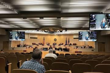 Cámaras del Concejo Municipal de Henderson el martes, 15 de octubre de 2019. (Blake Apgar / La ...