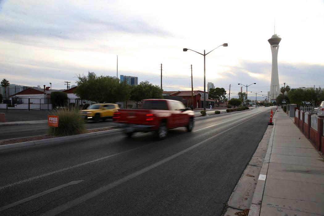 La intersección de South Eighth Street y St. Louis Avenue en Las Vegas, cerca de la casa en 70 ...
